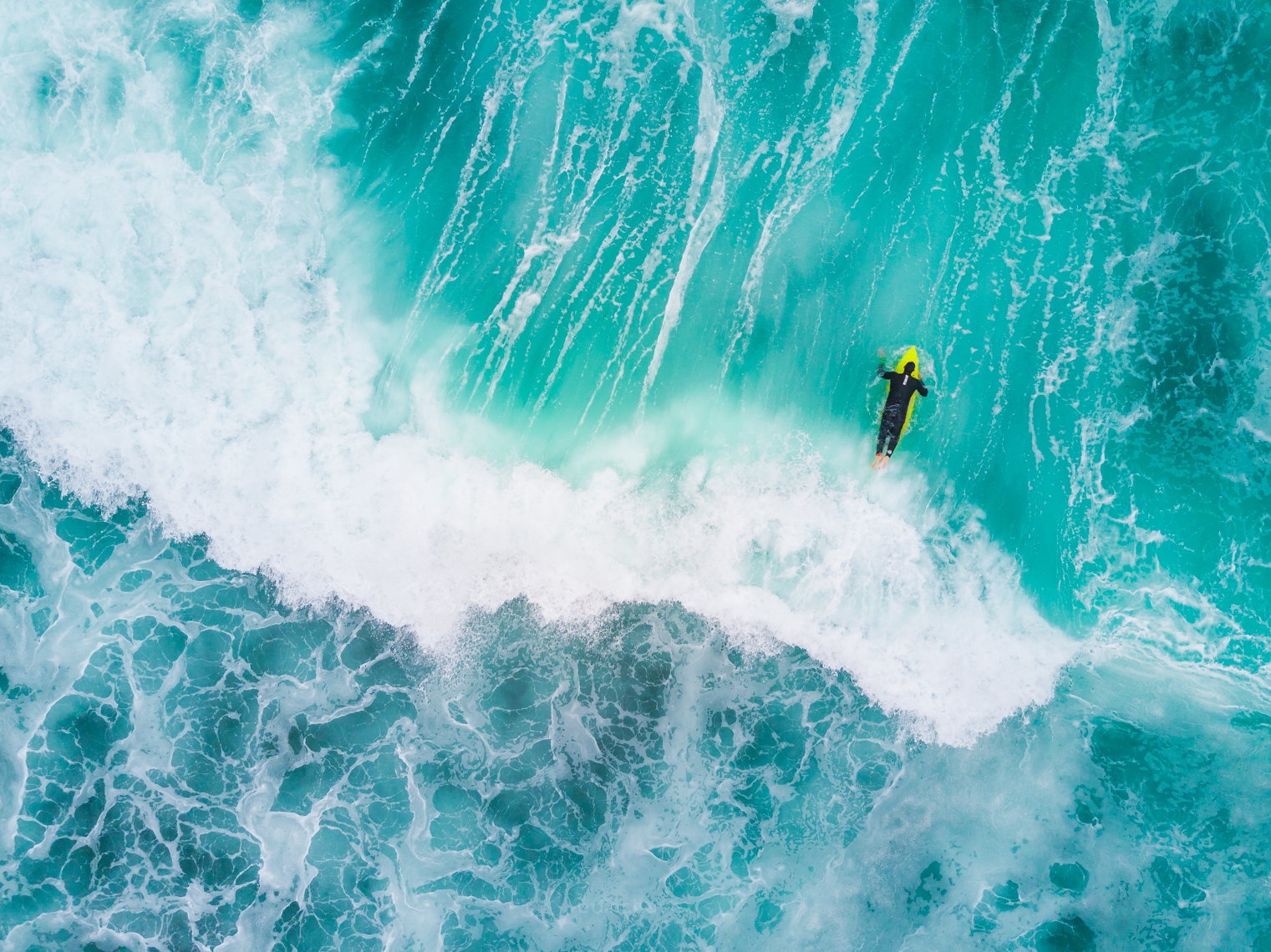 how to take the perfect photo, surfer in the water